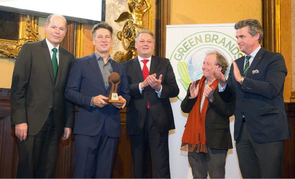 Umweltminister Rupprechter kürt Tobias Moretti als GREEN BRANDS Austria Persönlichkeit ©GREEN BRANDS Austria