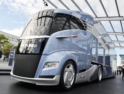 Der aerodynamische Concept S ist das Ergebnis einer Studie von MAN - der Lkw-Hersteller will mit ihm eine Diskussion über die gesetzlichen Längen- und Gewichtsbegrenzungen anstoßen. © MAN