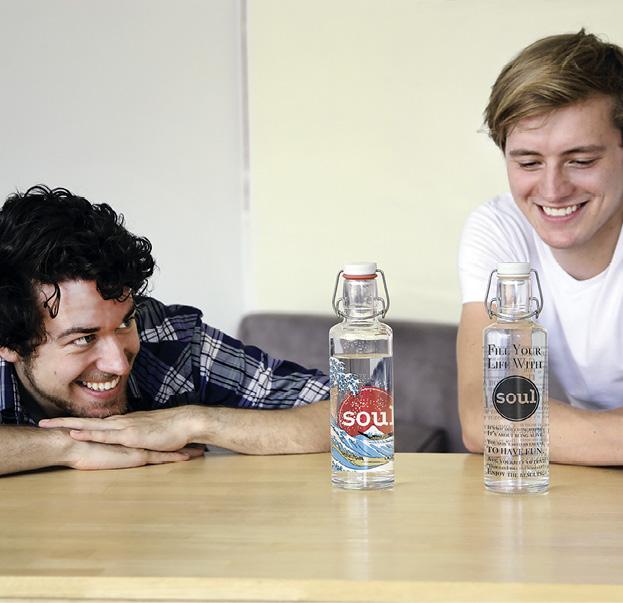 Das Berliner Startup Soulbottles möchte Menschen dazu verführen, wieder vermehrt Leitungswasser zu trinken. 'Soulbottles will die Welt grüner, schöner und sauberer machen. Foto © soulbottles
