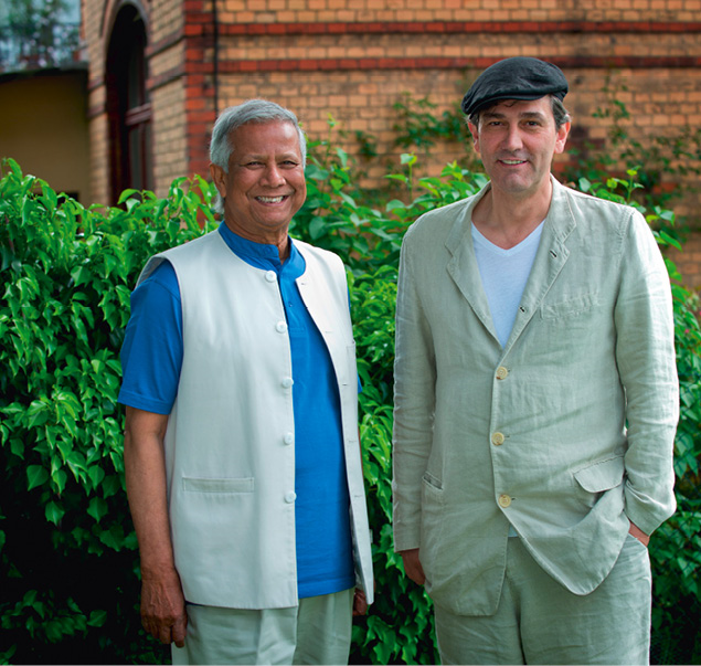 Friedensnobelpreisträger Muhammad Yunus und Kreativberater Hans Reitz haben noch viel vor. Dabei haben Sie die ganze Welt vor Augen. Man darf gespannt sein… // Foto: Silv Malkmus