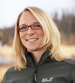 Melanie ist bei Jack Wolfskin zuständig für die soziale Nachhaltigkeit bei den Produzenten und die Produktökologie. Foto: Jack Wolfskin GmbH & KGaA, Idstein i. Ts.