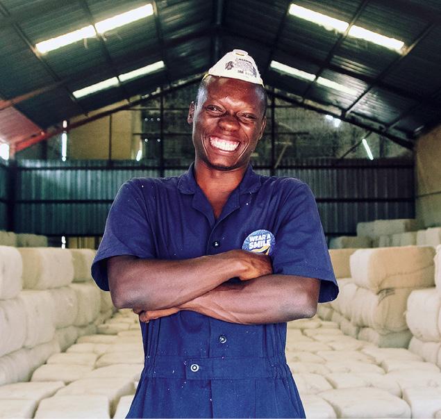 Textilbranche und SDG. Soziale Mißstände und Umweltskandale – vom Baumwollanbau bis zum Nähen muss viel verbessert werden. © Cotton made in Africa