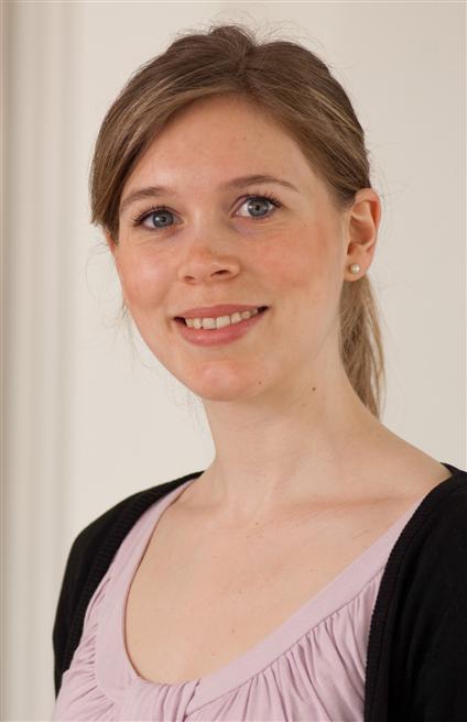 Dr. Theresa Bunse (Deutsches Krebsforschungszentrum, DKFZ, Heidelberg) erhält den Preis für das Gebiet 'Medizin'. Foto: Bayer AG
