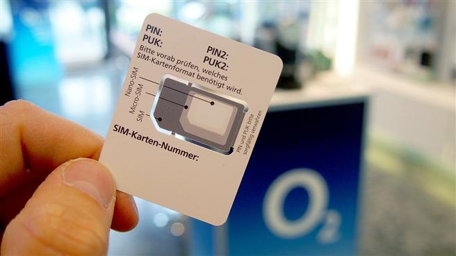 Mit dem Half-SIM-Trägerformat Plastik reduzieren. © Telefónica