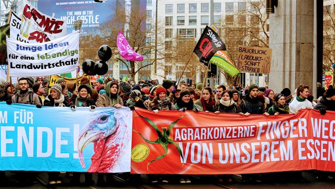 18.000 Demonstranten kämpften in Berlin gemeinsam für eine Wende in der Agrar- und Ernährungspolitik. Foto: www.wir-haben-es-satt.de/Die Auslöser Berlin