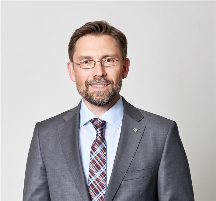 Der diplomierte Volkswirtschaftler David Südi ist seit 1996 bei Struktur Management Partner tätig. © Struktur Management Partner