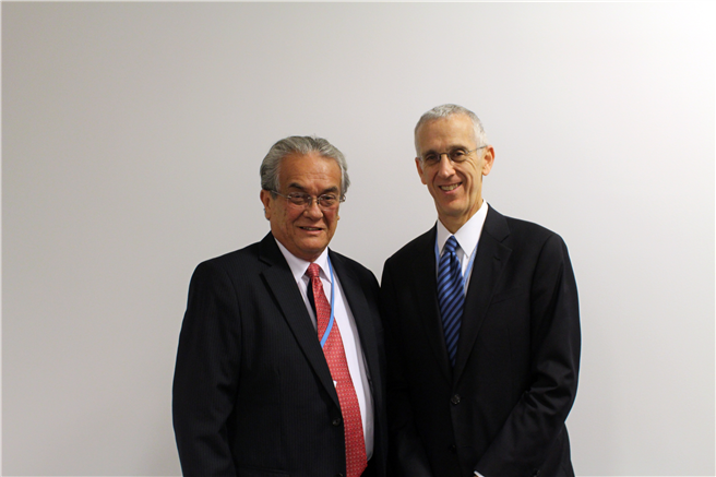 Tony de Brum mit US Special Envoy for Climate Change ,Todd Stern 2013. © Public domain