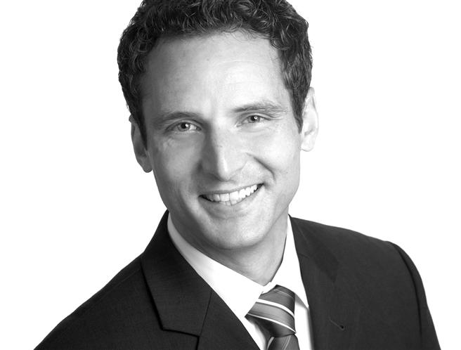 """Dr. Tim Breitbarth ist Principal Academic, Faculty of Management, Bournemouth University Leiter des Workshops """"Social Media und Mobile Communication' auf dem 1. Deutscher CSR-Kommunikationskongress."""