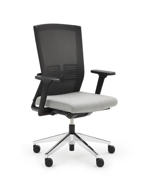 Ein guter ergonomischer Bürostuhl kann die Belastung der Wirbelsäule im Sitzen erheblich reduzieren. © Haworth GmbH