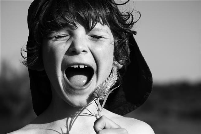 'Kind mit Gras in der Provence' © Alexander Liedtke