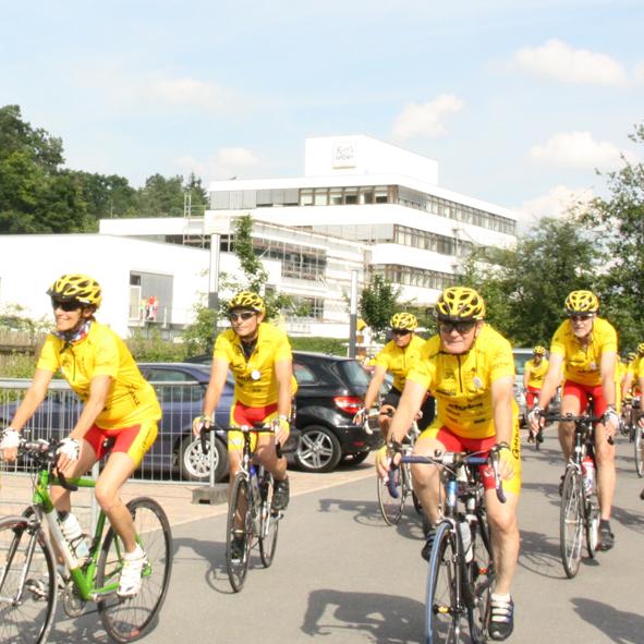 Die Radsportveranstaltung 'Tour Ginkgo' sammelt Spenden für Einrichtungen, die sich um schwerstkranke Kinder und deren Familien kümmern. © Christiane-Eichenhofer-Stiftung