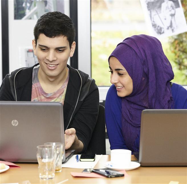 Miteinander lernen im Start-Bildungsprogramm. Foto: Start-Stiftung gGmbH.