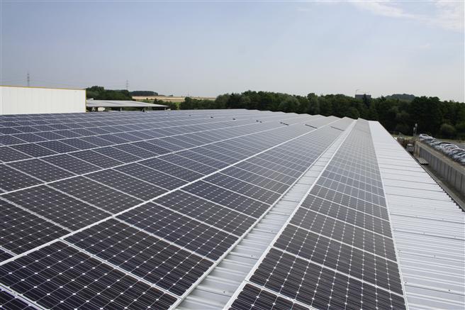 In 2015 konnte Rinn 10 % des gesamten Strombedarfs in Heuchelheim durch selbst erzeugten Strom mit den Photovoltaikanlagen abdecken. Foto: Rinn Beton- und Naturstein GmbH & Co. KG