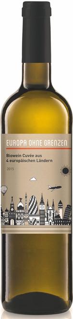 Europa ohne Grenzen - Pro verkaufter Flasche fließt ein Euro als Spende an ausgewählte Integrationsprojekte in Deuschland. Foto: Riegel Bioweine