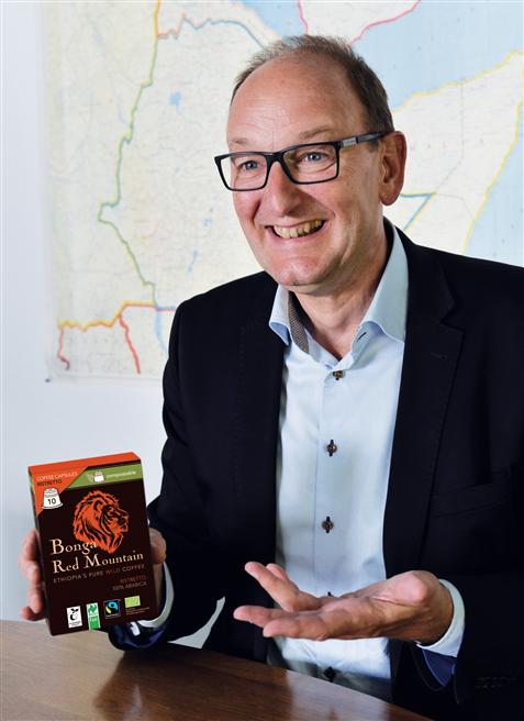 Florian Hammerstein, Gründer und Geschäftsführer von Original Food, vermarktet seit 2004 Premium-Wildkaffee aus der äthiopischen Provinz Kaffa und bringt jetzt die erste zertifizierte, kompostierbare Kaffeekapsel auf den Markt. Foto: Original Food