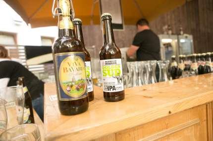 Stehen im Mittelpunkt beim großen Brauereifest am 24. Juli: gute Riedenburger Biobiere. Foto: Riedenburger Brauhaus