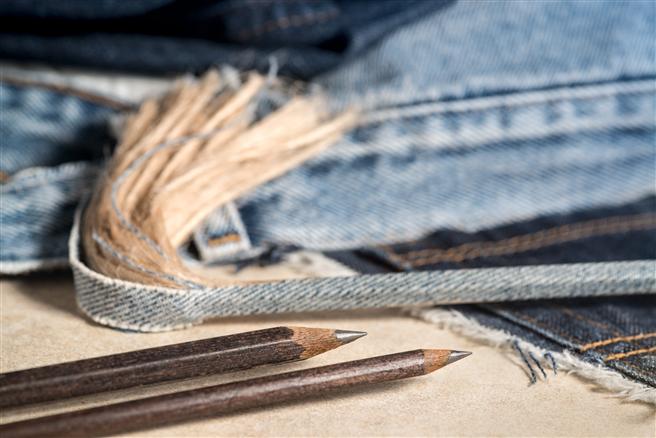 Bleistifte aus Ihrer alten Lieblingsjeans? © manaomea GmbH