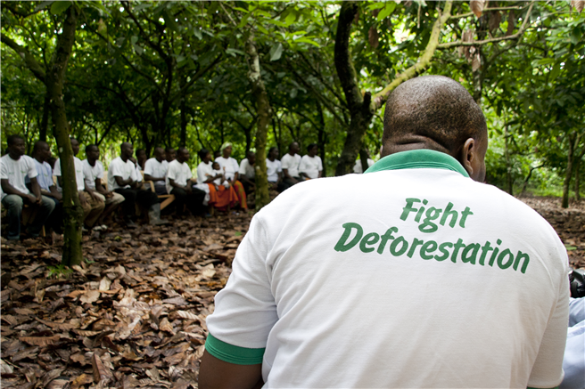 Eine Schulung der Rainforest Alliance für Kakaofarmer in Ghana. (c) Rainforest Alliance