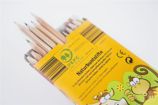 Aus kontrolliertem Holzabbau: Stifte mit PEFC-Siegel ©PEFC