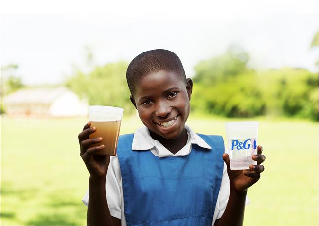 Sauberes Trinkwasser rettet Leben. © P&G