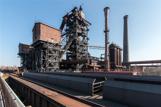 Vor allem in der Industrie, wie hier bei Hochöfen, bieten sich Potentiale für die Abwärme-Nutzung. © Dietmar Rabich/Wikimedia commons