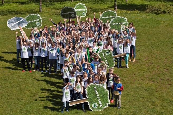 100 jugendliche Klima-Aktivisten trafen sich am Starnberger See. Foto: Plant-for-the-Planet