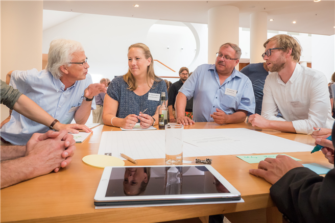 Akteure der Bio-Branche diskutieren die geplanten EU-Umweltstandards für die Lebensmittelhersteller © Sven Löffler