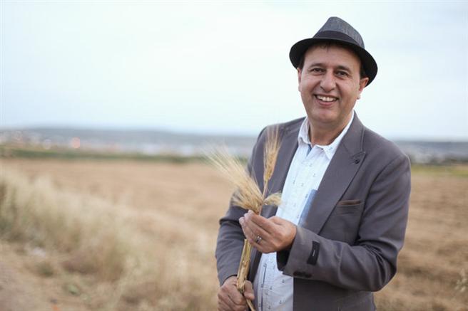 Der Direktor des Canaan Fair Trade aus Palästina, Nasser Abufarha wird für seine Pionierleistung im Öko-Landbau und Fairen Handel im Nahen Osten geehrt. © Naturland
