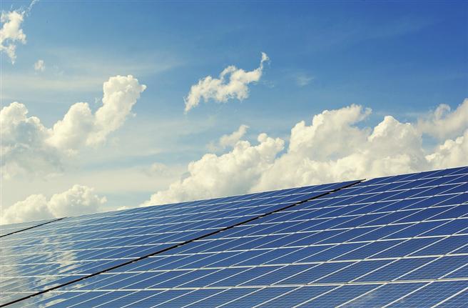 Studie zeigt: Energiespeicher für zuverlässige Stromversorgung aus erneuerbaren Energien notwendig © andreas160578, pixabay