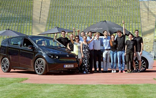 Die Crowdfunding-Kampagne für den Sono Sion (hier bei Testfahrten in München) hat alle Erwartungen übertroffen. © Sono Motors