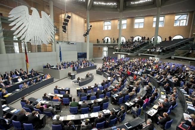 Wichtige Themen wie Klimaschutz und Erneuerbare Energien fehlen in der Debatte zur Bundestagswahl. © Deutscher Bundestag / Marc-Steffen Unger
