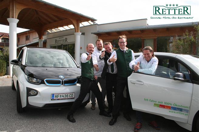 Fünf Gastro-Führungskräfte fahren ab s/ofort mit BMW i 3 mit 100% Ökostrom zur Arbeit. © Retter, Seminar Hotel Bio Restaurant