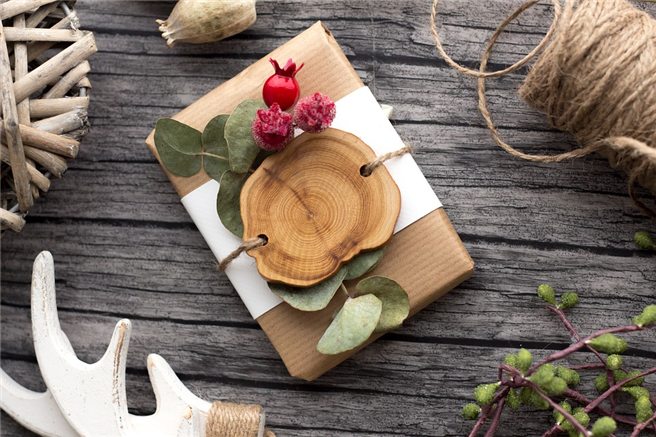 Sinnvoll und bewusst schenken - für ein nachhaltiges Weihnachtsfest. © AnnaHelsinki, pixabay