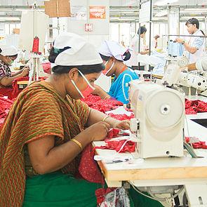 Arbeiterinnen in einer Fabrik, die Teil des Accords ist. © ACCORD