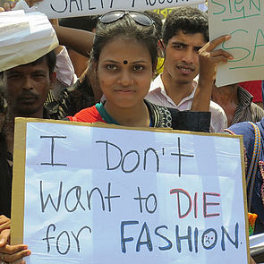 Demonstrantin: I don't want to die for fashion. © Solidarity Center