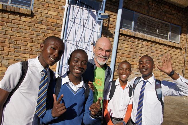 Erfahrungen unschätzbaren Wertes in Südafrika gesammelt: Berater auf Zeit Joachim Mayer unterstützte in einem Township-Projekt. © Manager für Menschen