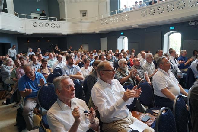 """Rund 150 Teilnehmer verfolgten intensiv die Diskussionen und Beiträge des zweiten PEFC-""""Forum Zertifizierung"""
