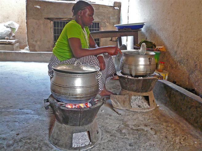 E.ON unterstützt den Bau klimaneutraler Kochöfen in Mali. © E.ON Energie Deutschland GmbH