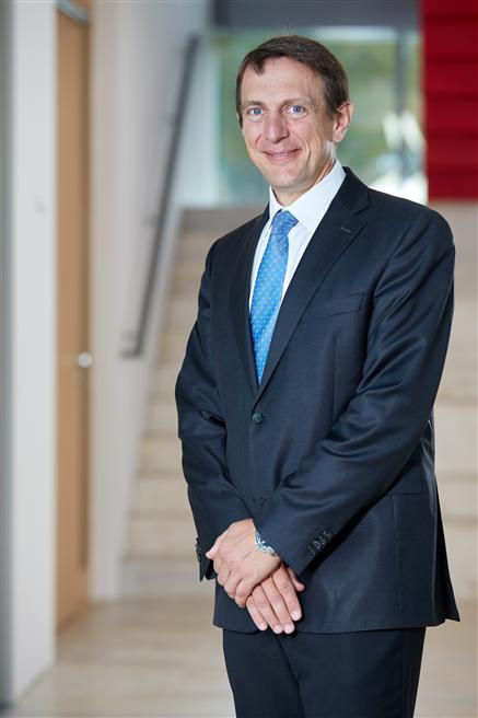 Professor Sven Bienert, Leiter des Kompetenzzentrums für Nachhaltigkeit in der Immobilienwirtschaft an der Universität Regensburg, ist neues Mitglied des DAW Nachhaltigkeitsbeirates. © DAW SE – Fotograf Britta Hüning