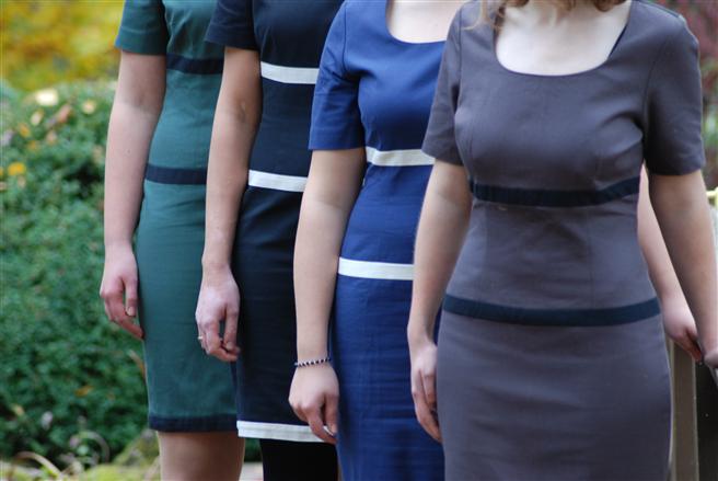 Das Peaceman's daughter | son Eco-Business-Kleid ist in vier Farbkombinationen und sechs Größen erhältlich. © Peaceman's daughter|son