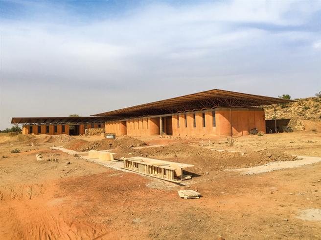 Die weiterführende Schule befindet sich noch im Ausbau. © Hevert