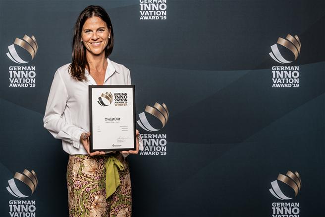 Jutta Jertrum, die Gründerin und Geschäftsführerin freut sich sehr über den Erhalt des German Innovation Award und die damit verbundene Anerkennung. © TwistOut GmbH