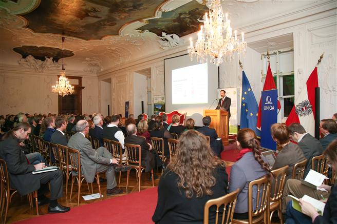 Am 26. Jänner eröffnete Rudolf Zrost (im Bild), Präsident Ressourcen Forum Austria das Zweite Nationale Ressourcenforum in der Alten Residenz in Salzburg. Foto: Neumayr/SB